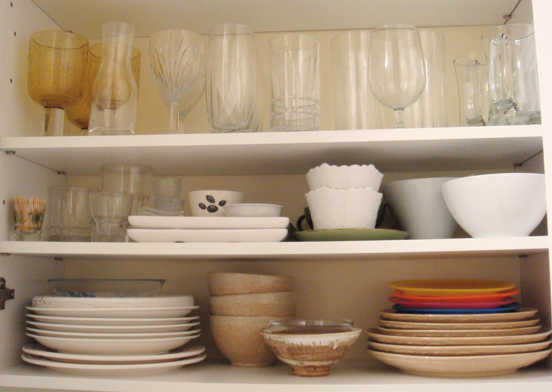 organized kitchen cabinets «